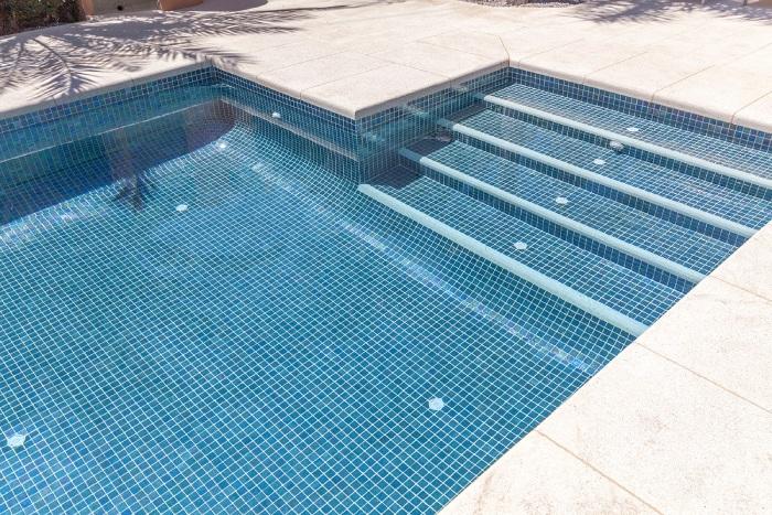 Keo dán gạch đá bể bơi chuyên dụng